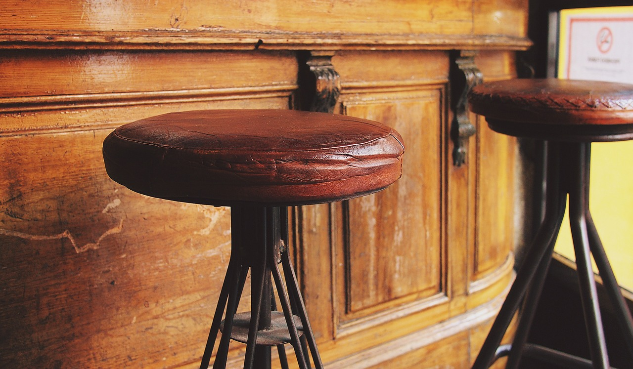 stools-698681_1280